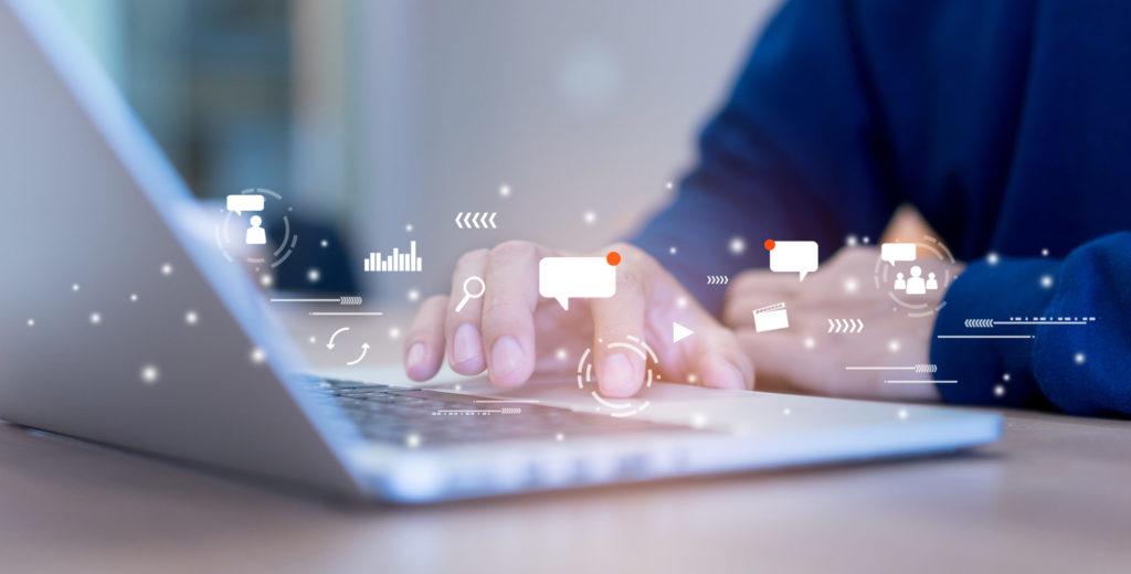 slash / freelancer online marketing
